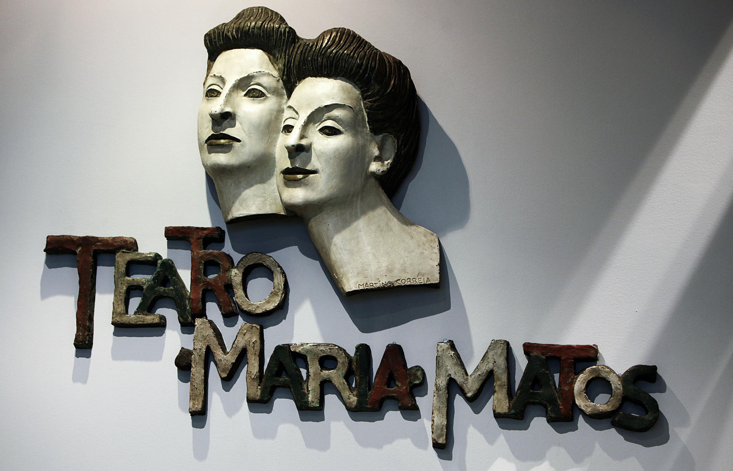 Teatro Maria Matos abre após obras mesmo com processo judicial