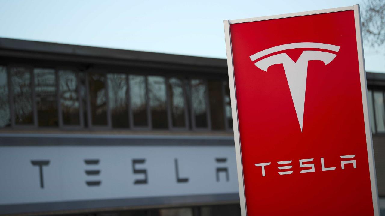 Apple tentou comprar a Tesla. O que falhou?