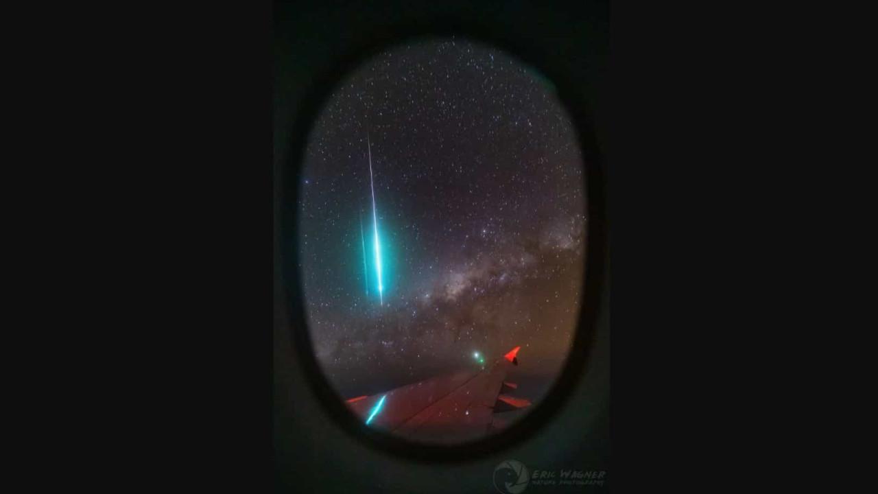 NASA destaca fotografia de meteoro captada a partir de um avião