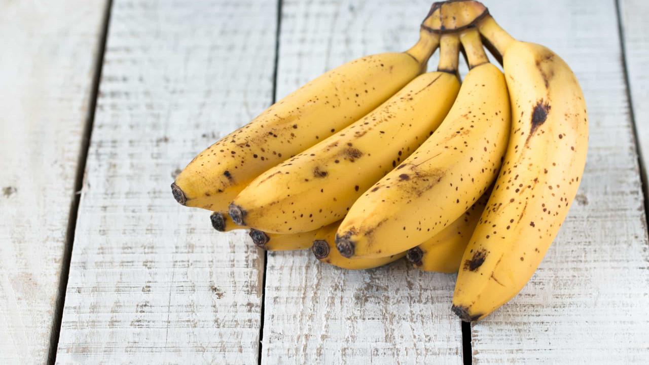 Não deite fora! Quatro formas de aproveitar as bananas muito maduras