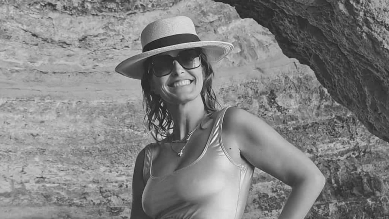"""Cristina Ferreira posa em triquíni e é elogiada. """"Sexy e definida"""""""