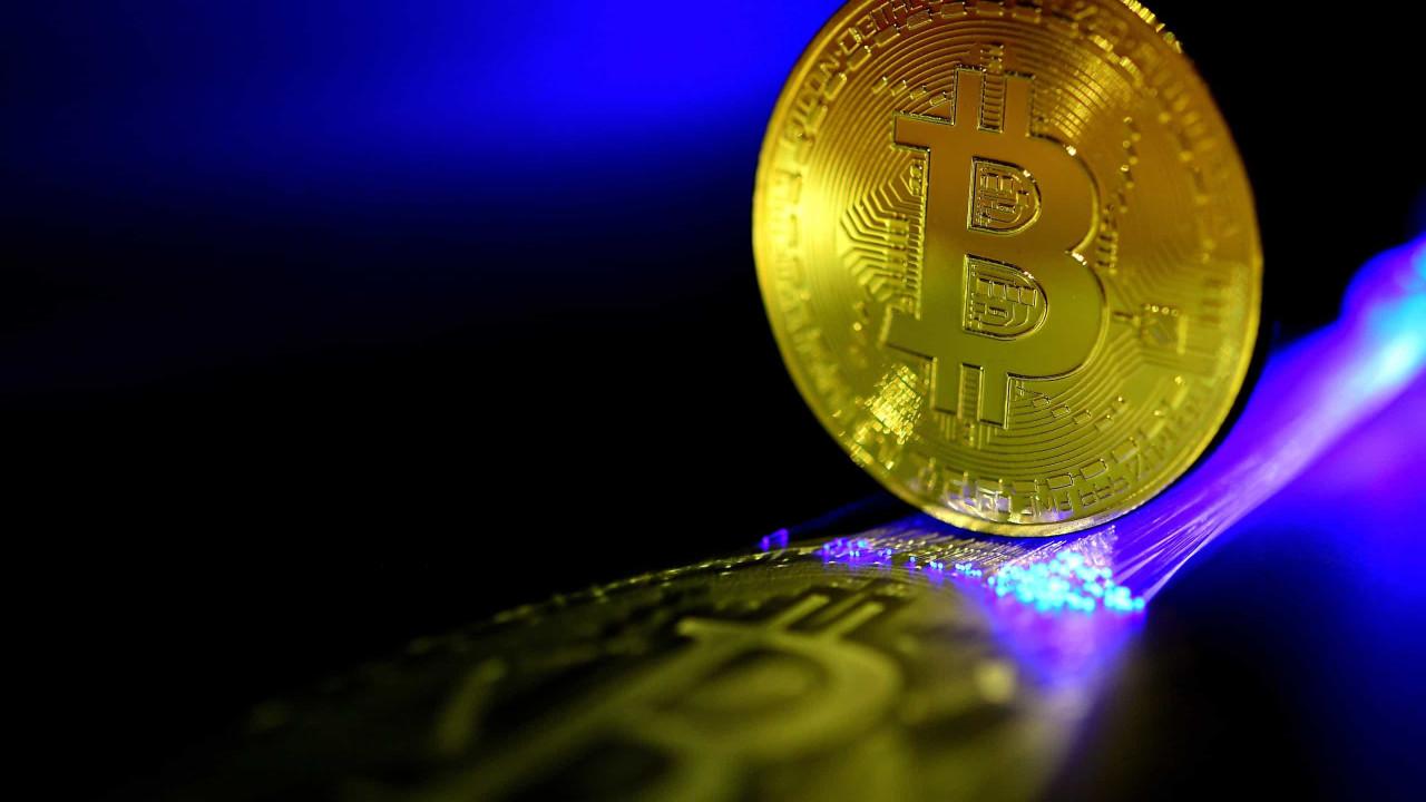 """Banco central chinês avisa: Transações com criptomoedas """"são ilegais"""""""