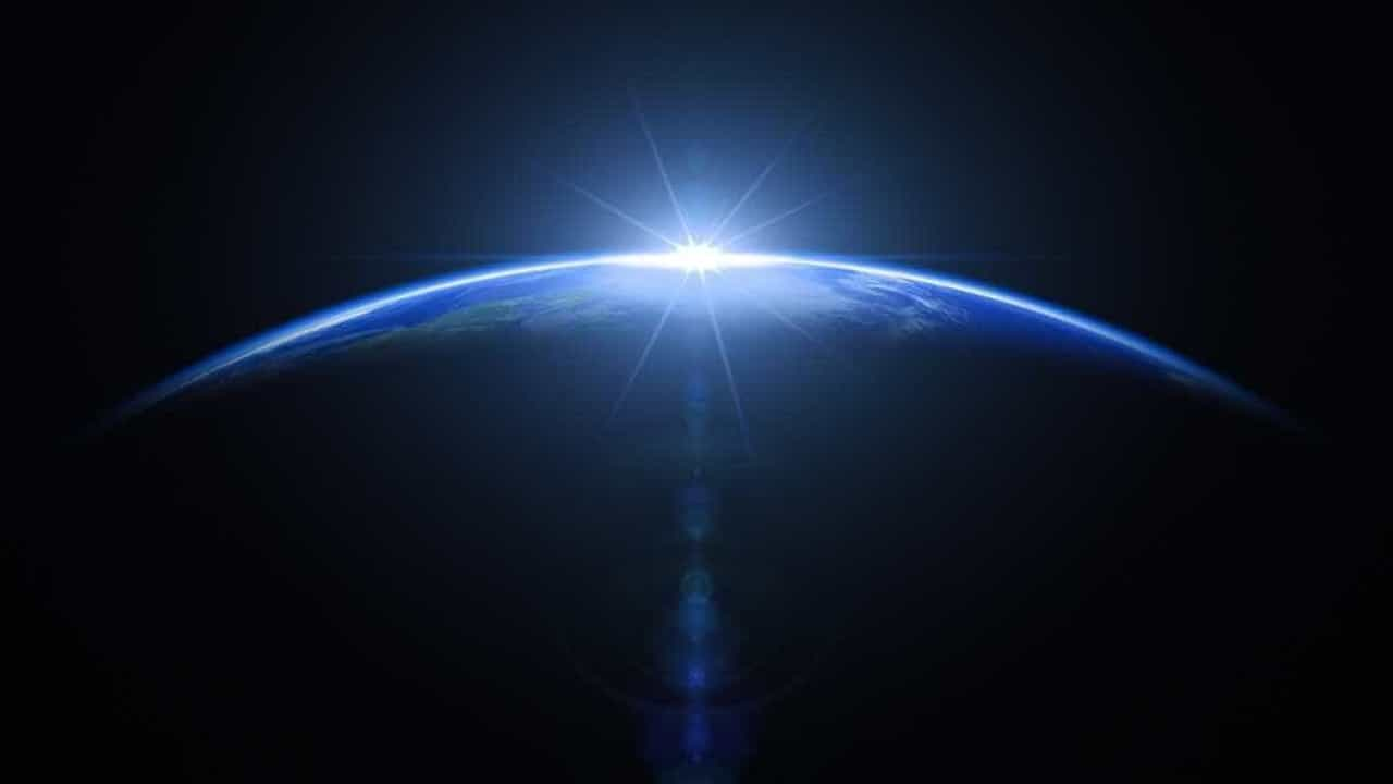 Agência Espacial Europeia lança missão para remover lixo de órbita