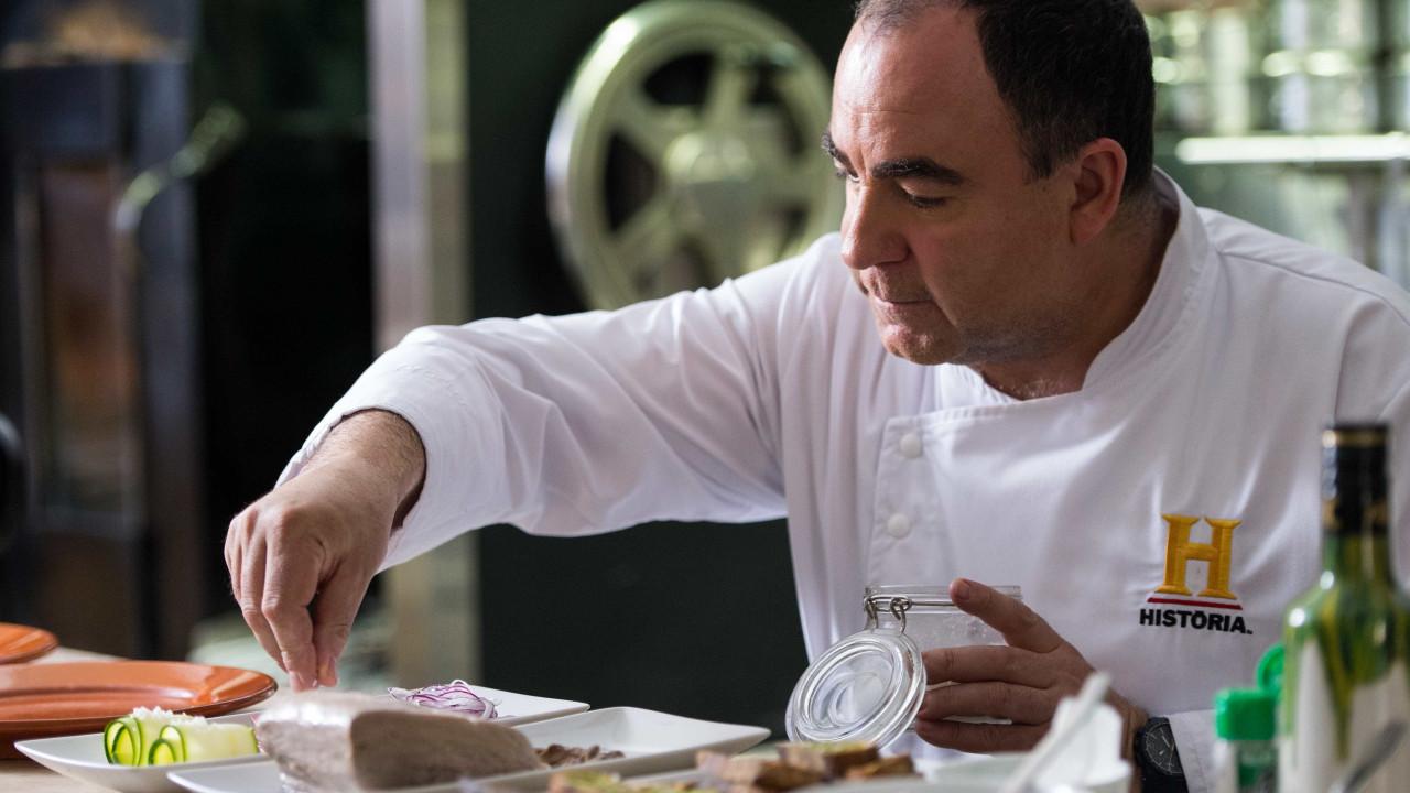 No seu novo livro, o chef Vítor Sobral está 'Com os Azeites' - Notícias ao Minuto