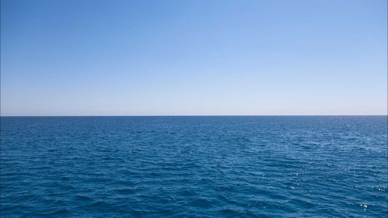 Açores. Morreu criança que ficou inanimada na água em praia não vigiada