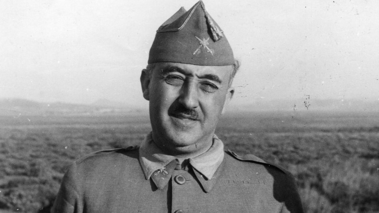 Corpo do ditador espanhol Franco exumado esta quinta-feira