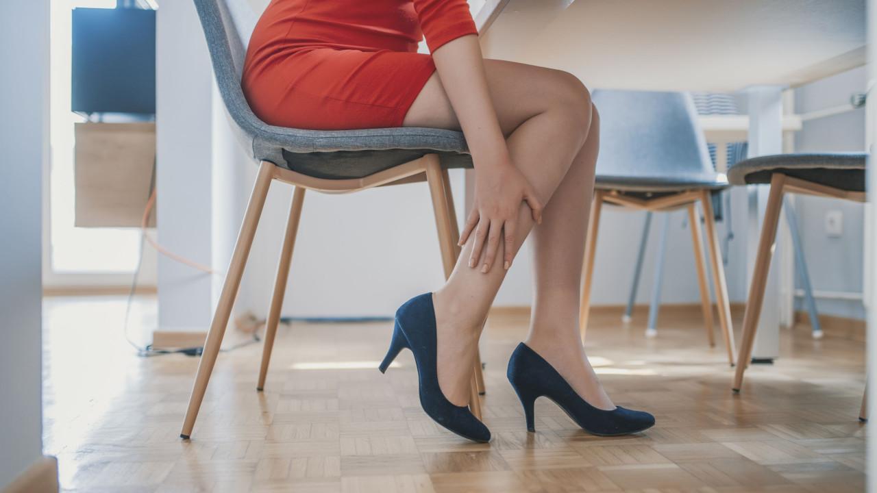 Dói minhas e destacam nas veias pernas se