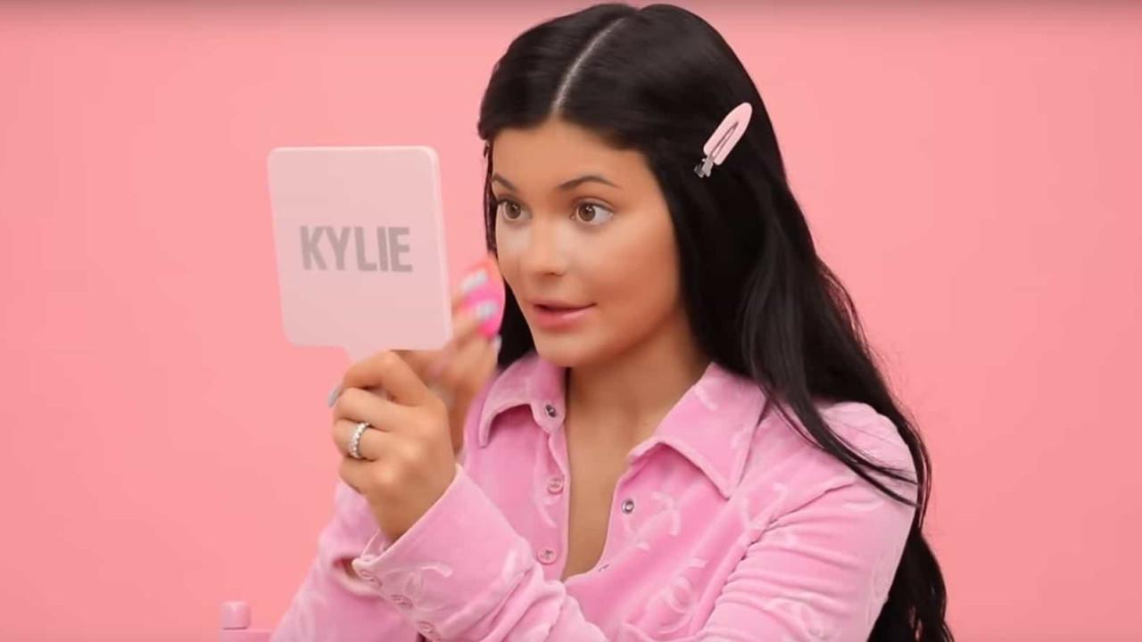 Vídeo: Kylie Jenner mostra passo a passo da sua maquilhagem diária