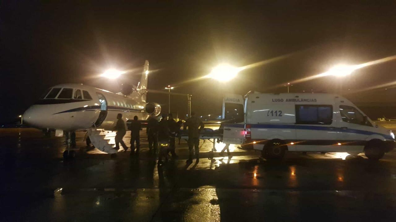 Força Aérea transporta doente urgente de Ponta Delgada para Lisboa - Notícias ao Minuto