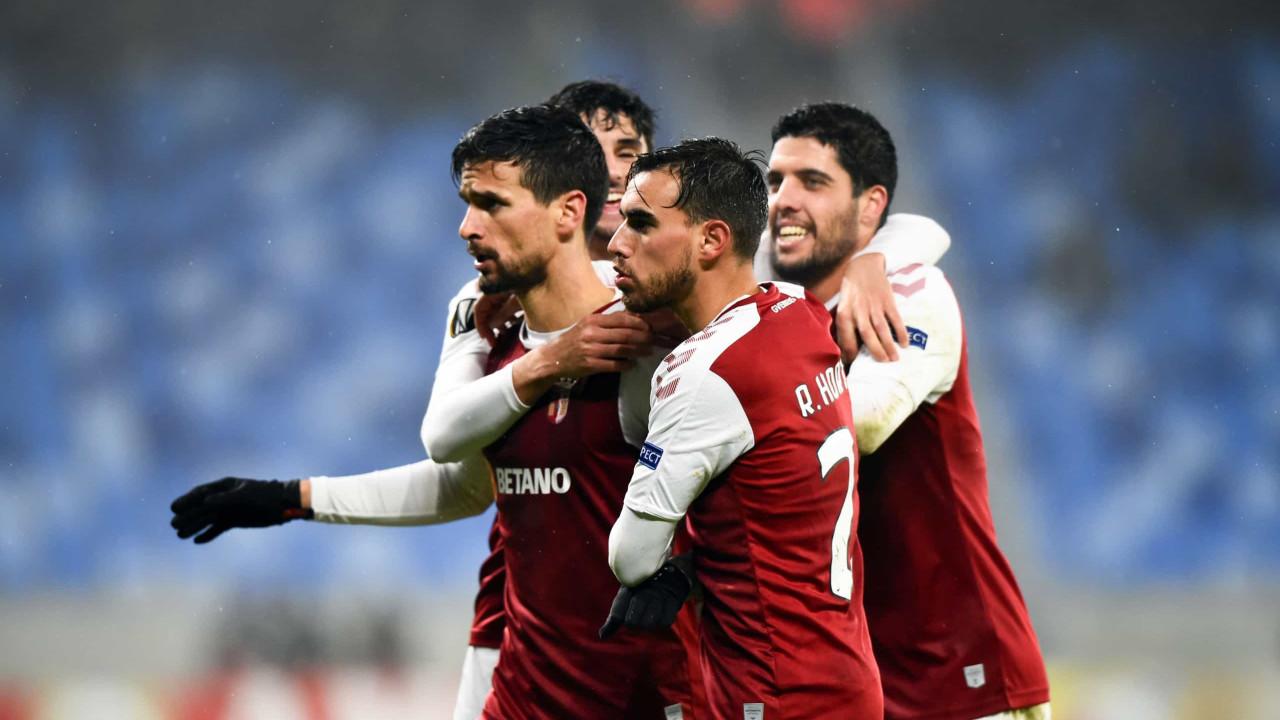'Show de bola' no gelo de Bratislava valeu liderança ao Sp. Braga