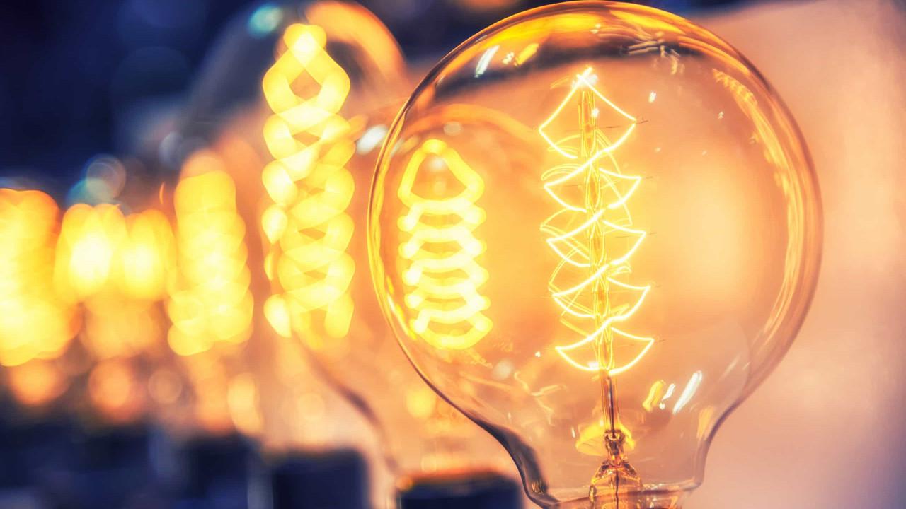 Pandemia provoca quebra de 3,1% no consumo de eletricidade