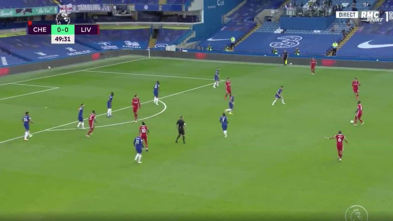Salah, Firmino e Mané combinam para fazer 'mossa' ao Chelsea