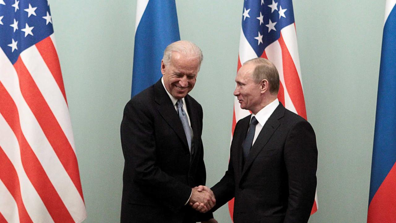 Biden falou com Putin. Navalny e ataque cibernético foram temas centrais