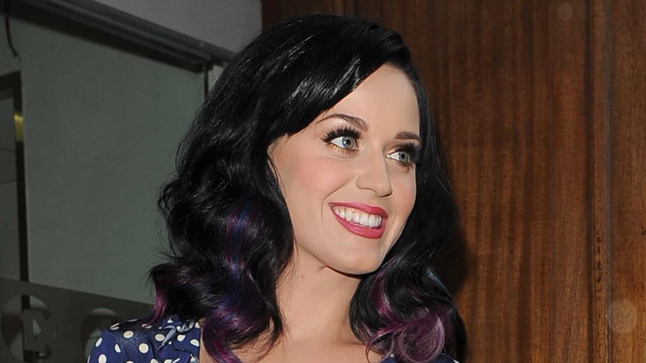 Katy Perry 'apanhada' durante passeio com a filha