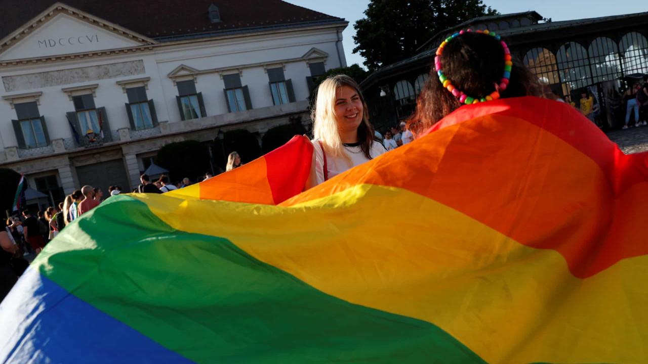 UEFA não autoriza que a Allianz Arena se ilumine com as cores da LGBT