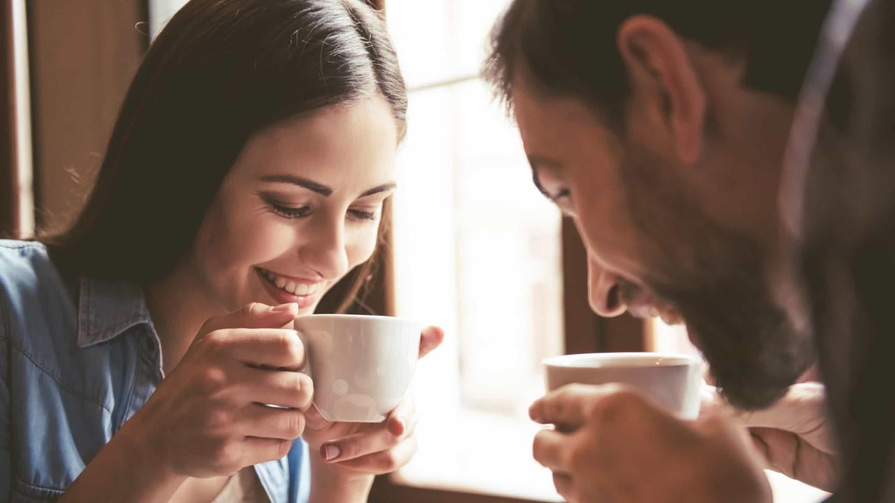 Amigo do fígado. Café reduz até 49% risco de morrer de doença hepática