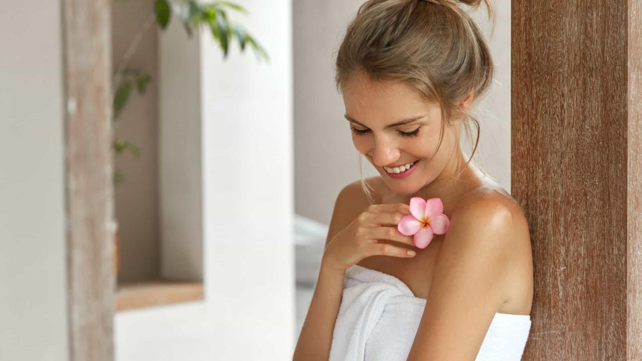 Aprenda a deixar as toalhas super macias e fofas com esta mezinha caseira