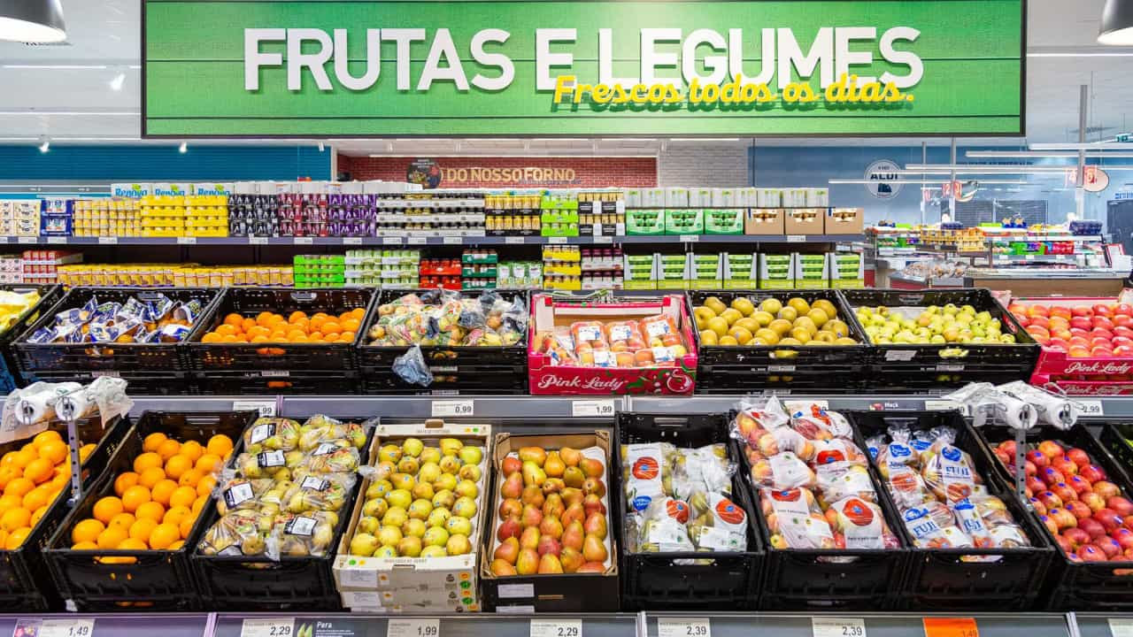 Aldi abre primeiro supermercado sem caixas de pagamento no Reino Unido