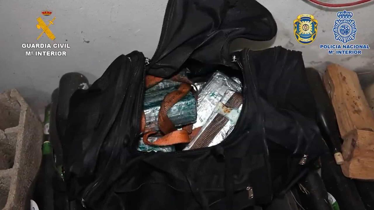 PJ e Guardia Civil desmantelam gangue encabeçado por mulher de 79 anos