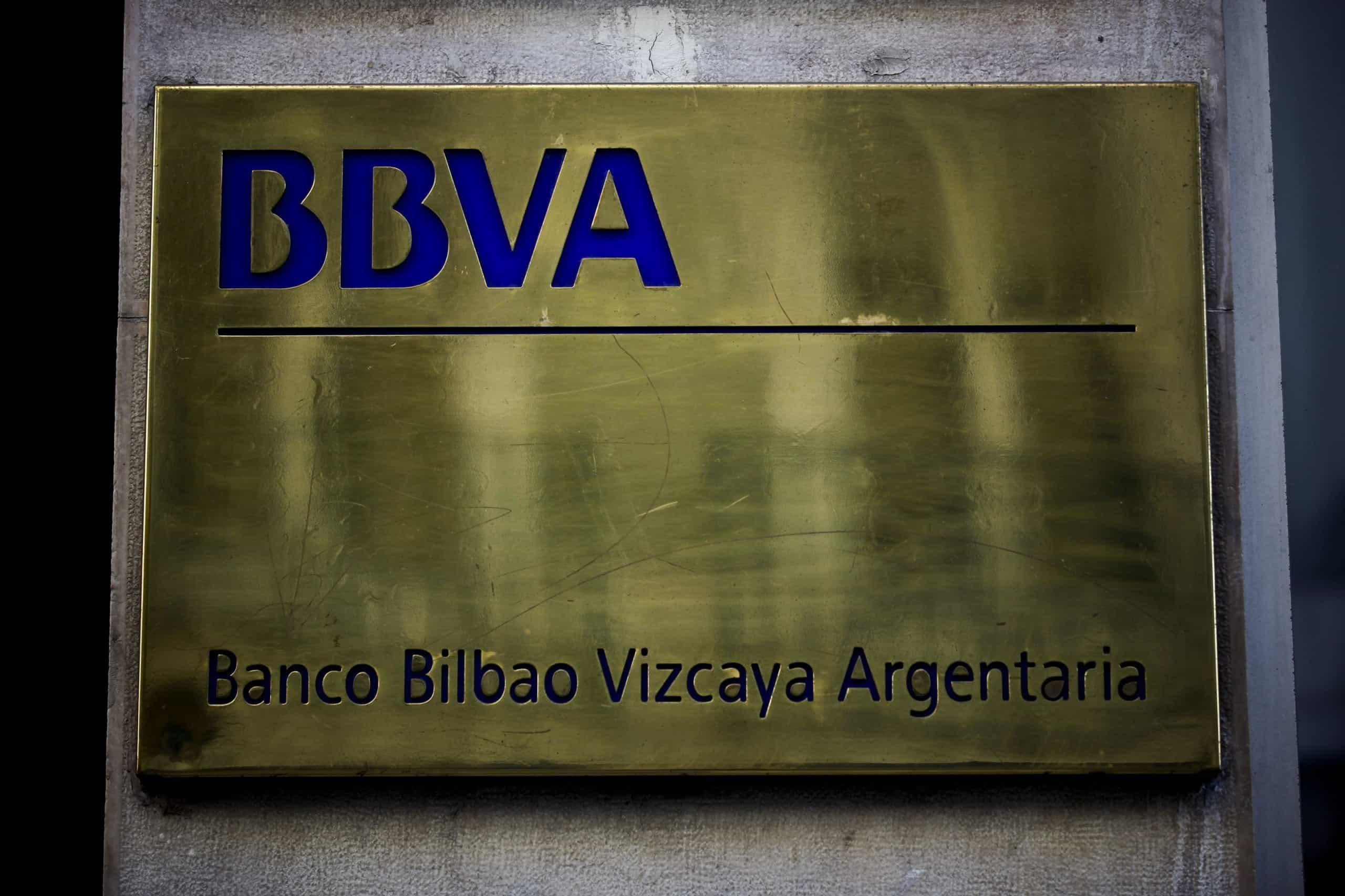 Banco BBVA passa hoje a sucursal em Portugal