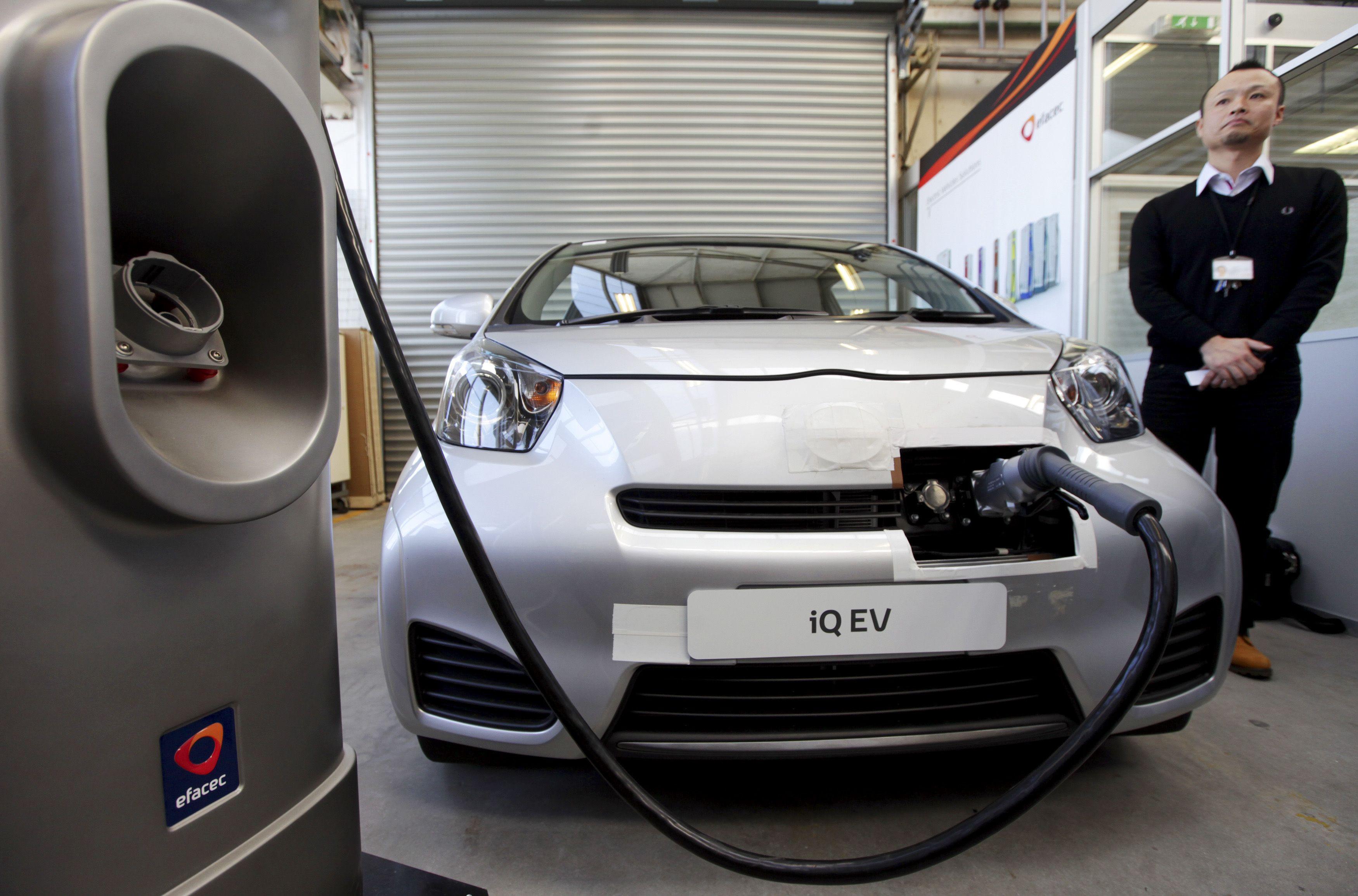 """Venda de carros elétricos com crescimento """"exponencial"""" este ano"""