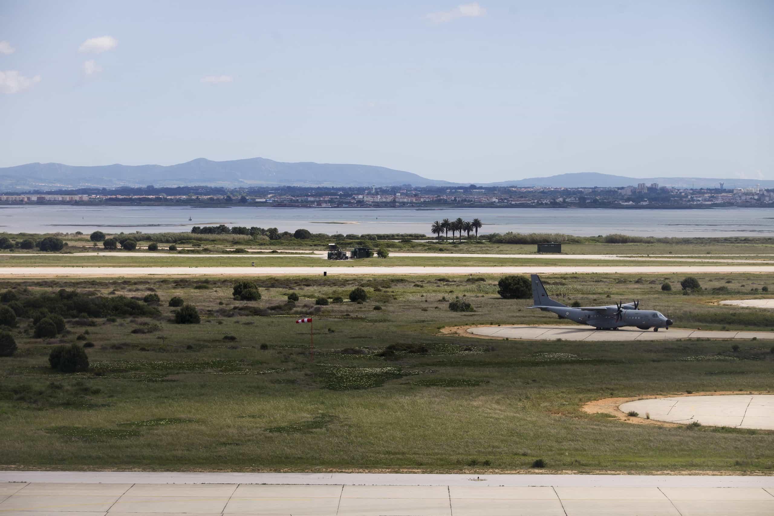 "Novo aeroporto pode afetar de forma ""drástica"" aves do Tejo"