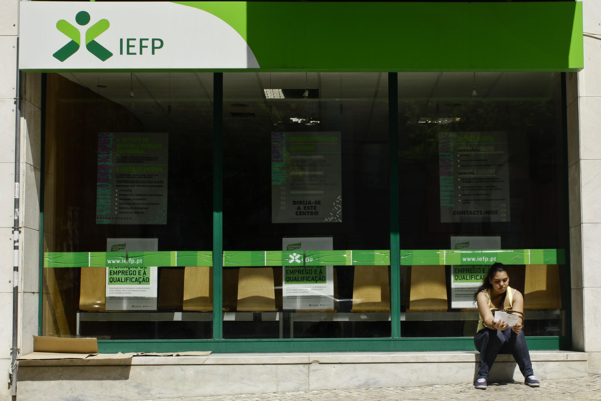 IEFP paga às empresas 50% do apoio à contratação no início dos contratos