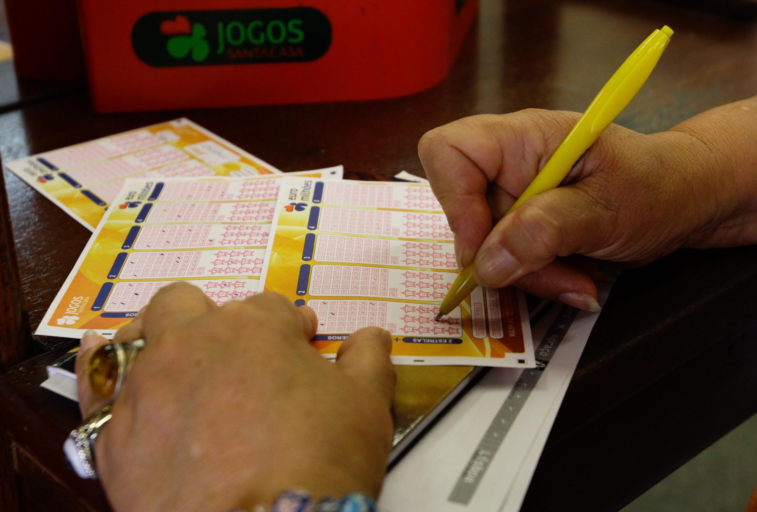 Primeiro prémio do Euromilhões vai para apostador em Portugal