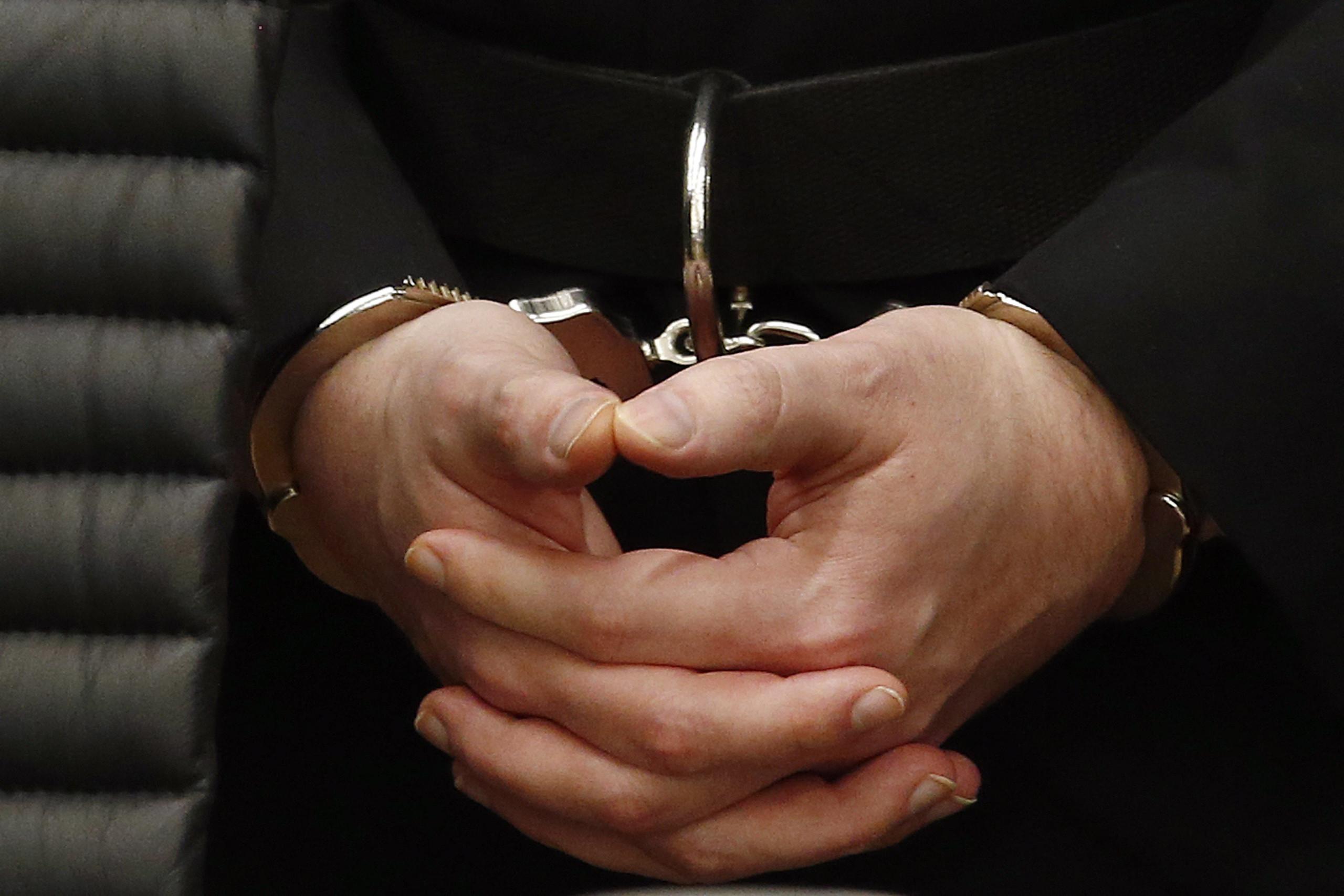 Seis homens condenados por mais de 170 mil crimes de pornografia infantil
