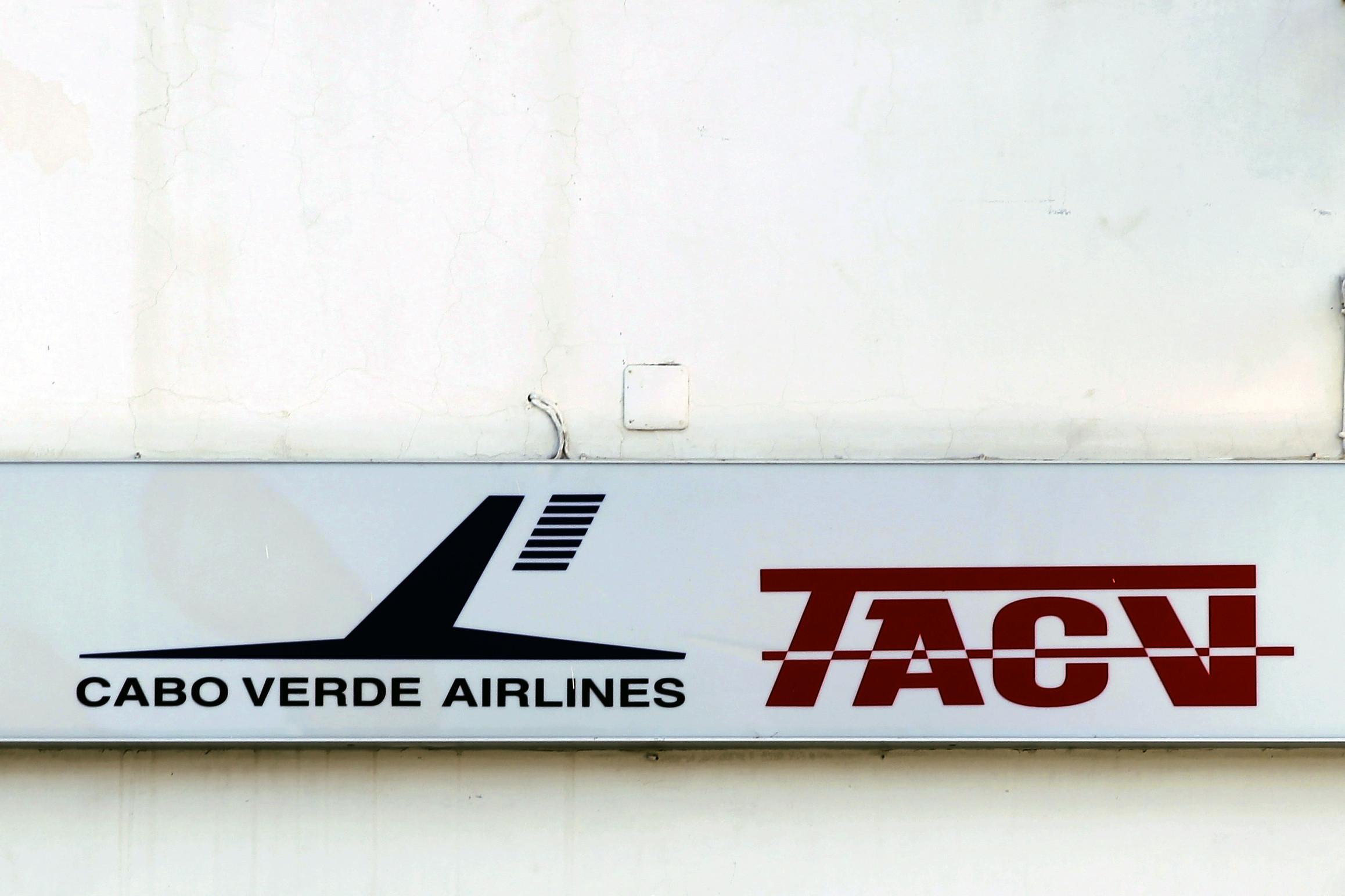 Privatização da companhia aérea TACV reduz risco orçamental e fiscal