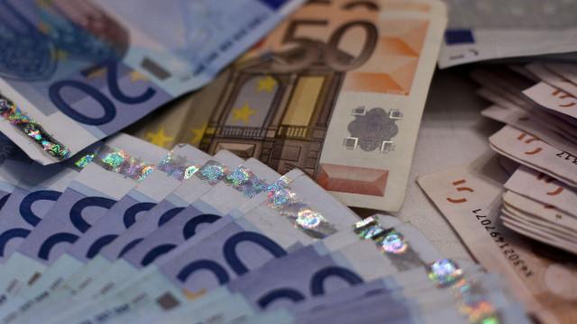 Há 29 mil contribuintes a pagar os impostos por débito direto