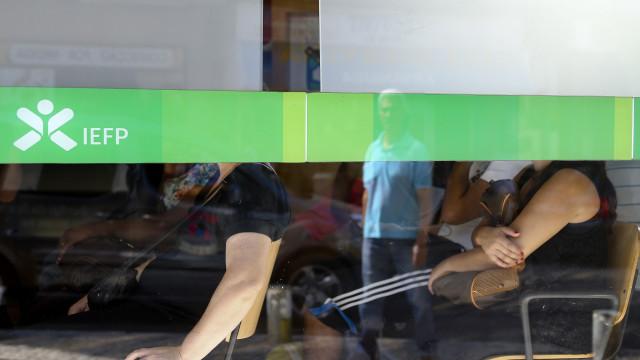 Número de desempregados no centros de emprego cai 15%. Alentejo 'lidera'