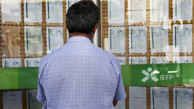 Bruxelas: Falta de recursos no Estado limita medidas contra desemprego
