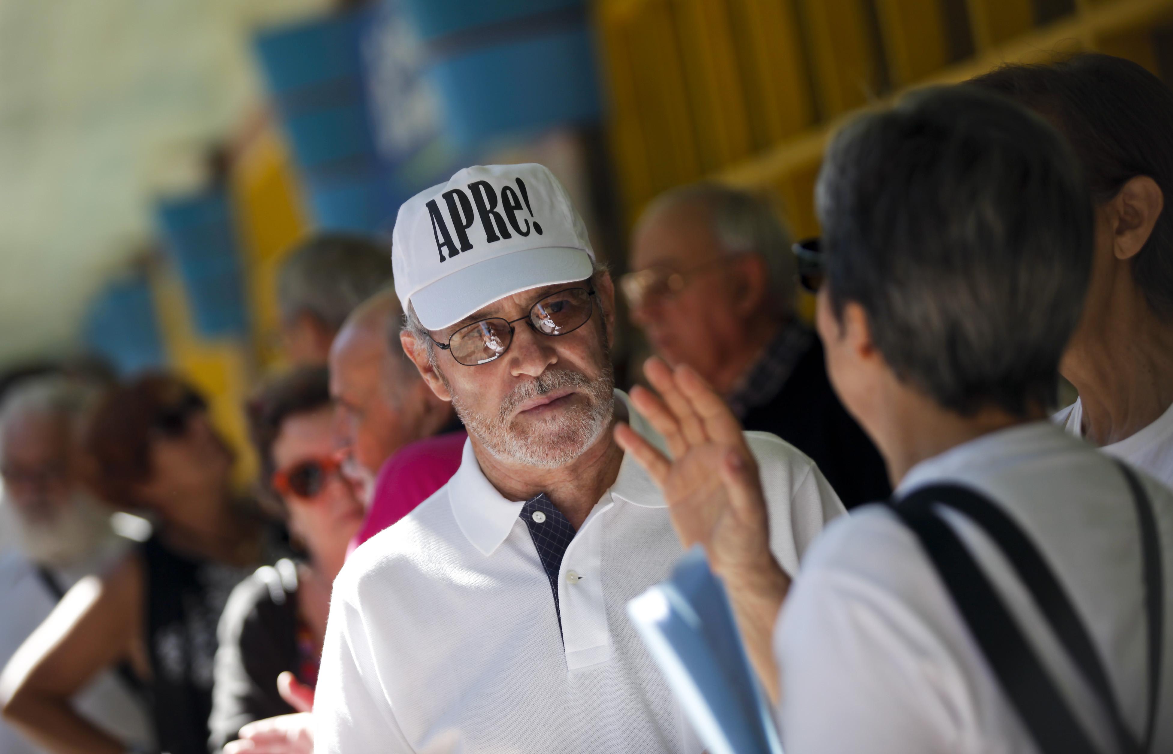 Reformados queixam-se de cortes nas pensões por atraso nas tabelas do IRS