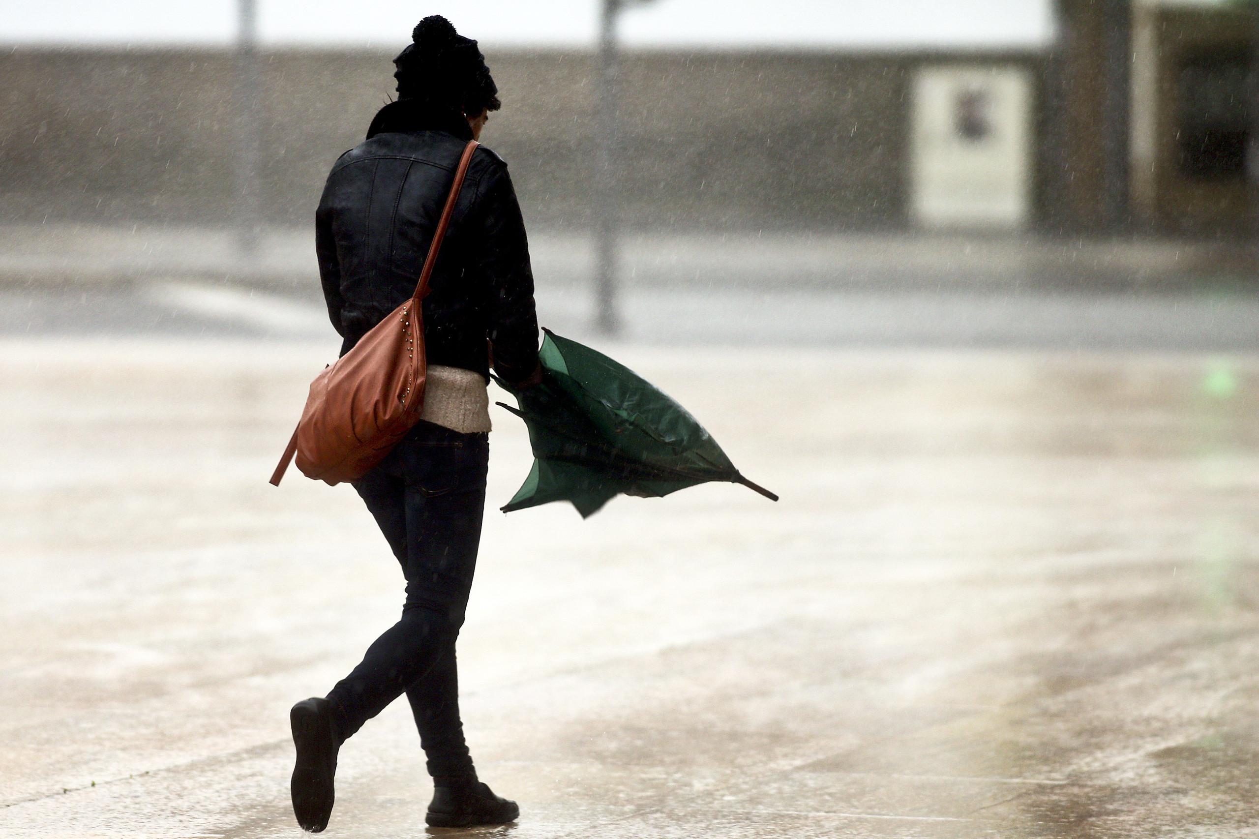 Fim de semana de Páscoa com chuva, mas temperaturas vão subir