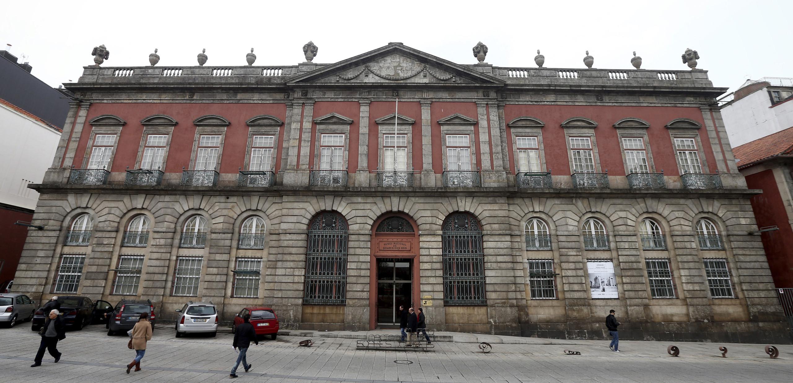 Museu Soares dos Reis expõe relação de Júlio Resende com escrita