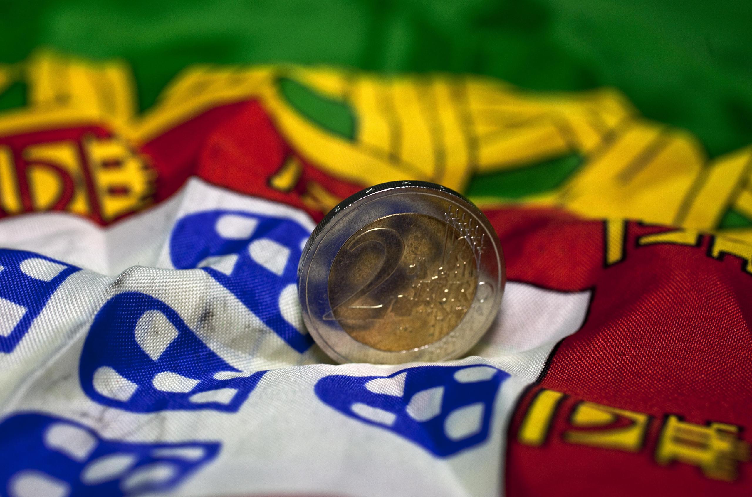 Portugal coloca hoje até 1.000 milhões de euros em dívida a 10 e 18 anos