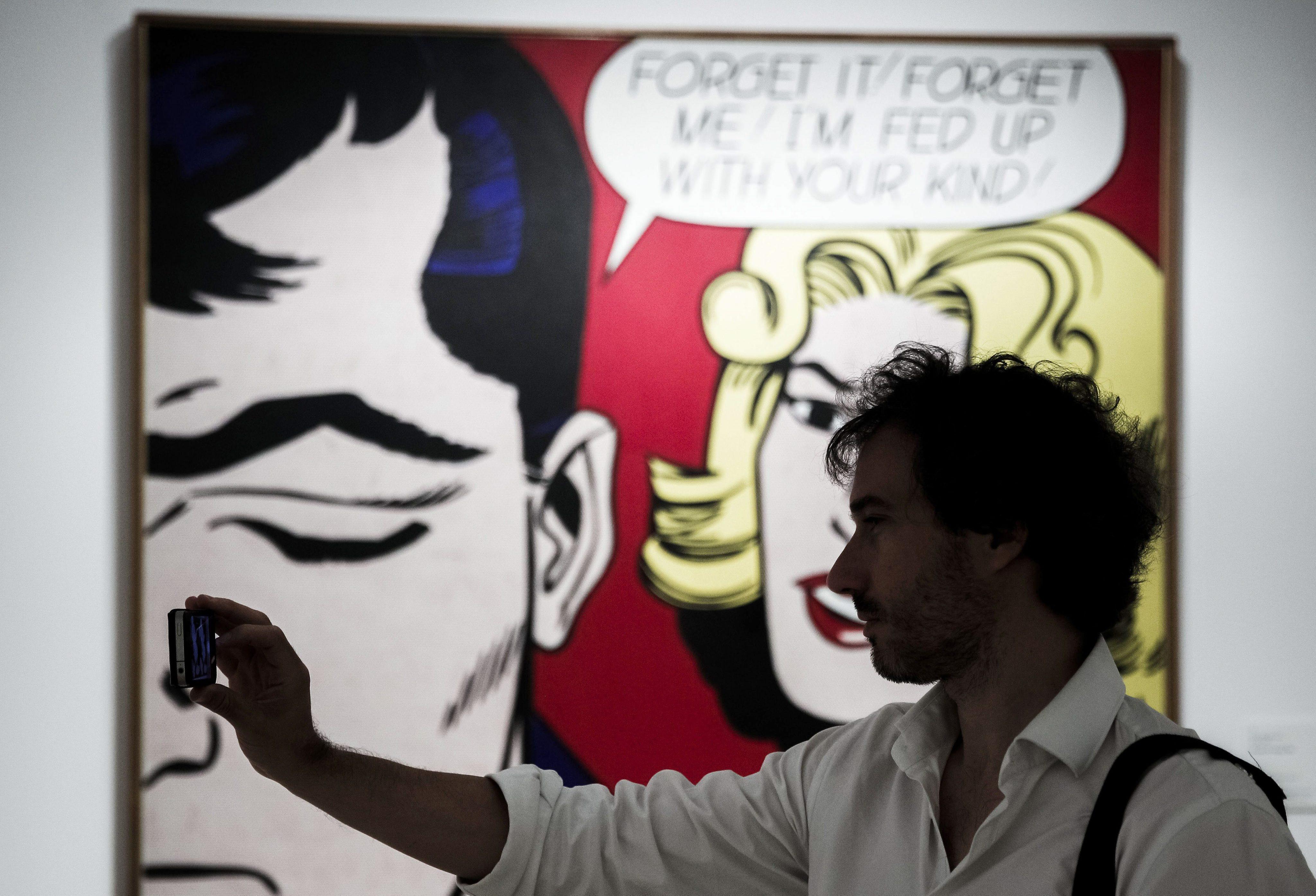 Obras de Roy Lichtenstein em exposição no Centro Colombo em Lisboa