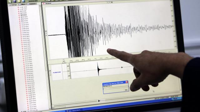 Forte sismo na Indonésia com alerta de possibilidade de tsunami