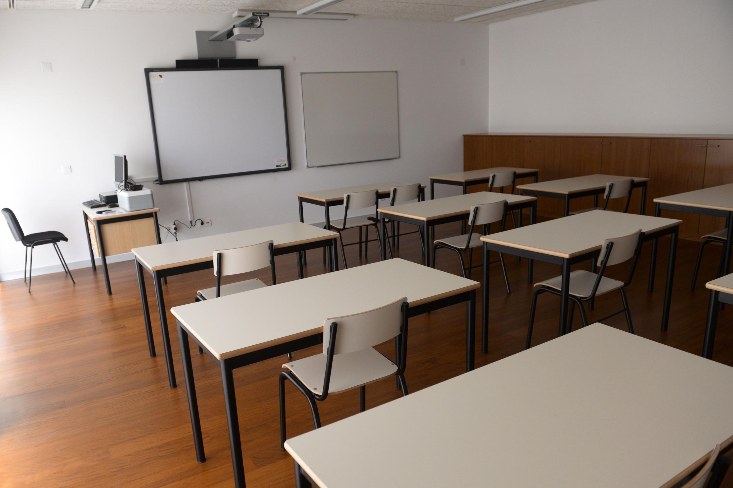 Governo angolano detetou 148 cursos superiores ilegais e legalizou 104