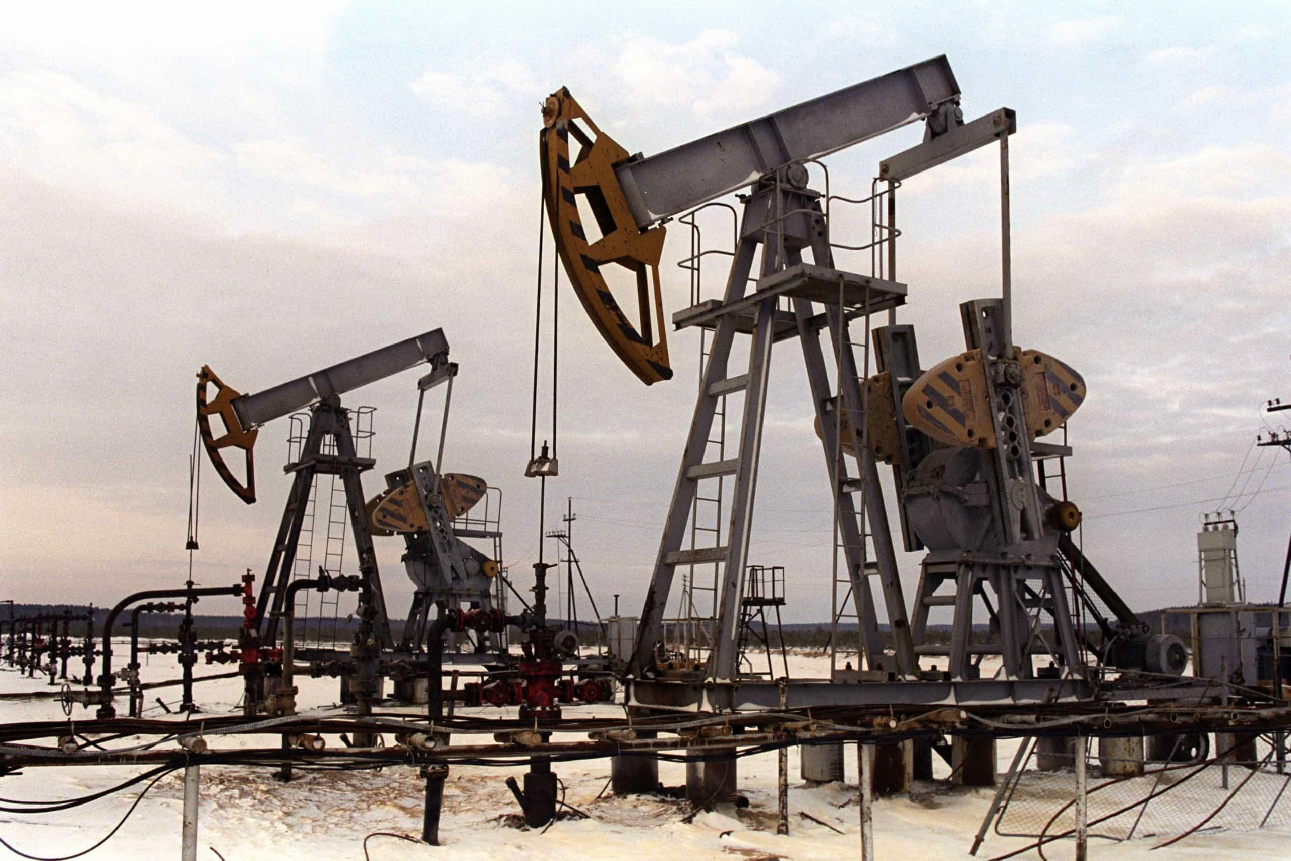 Angola perdeu mais de 615 mil milhõescom o petróleo mais barato