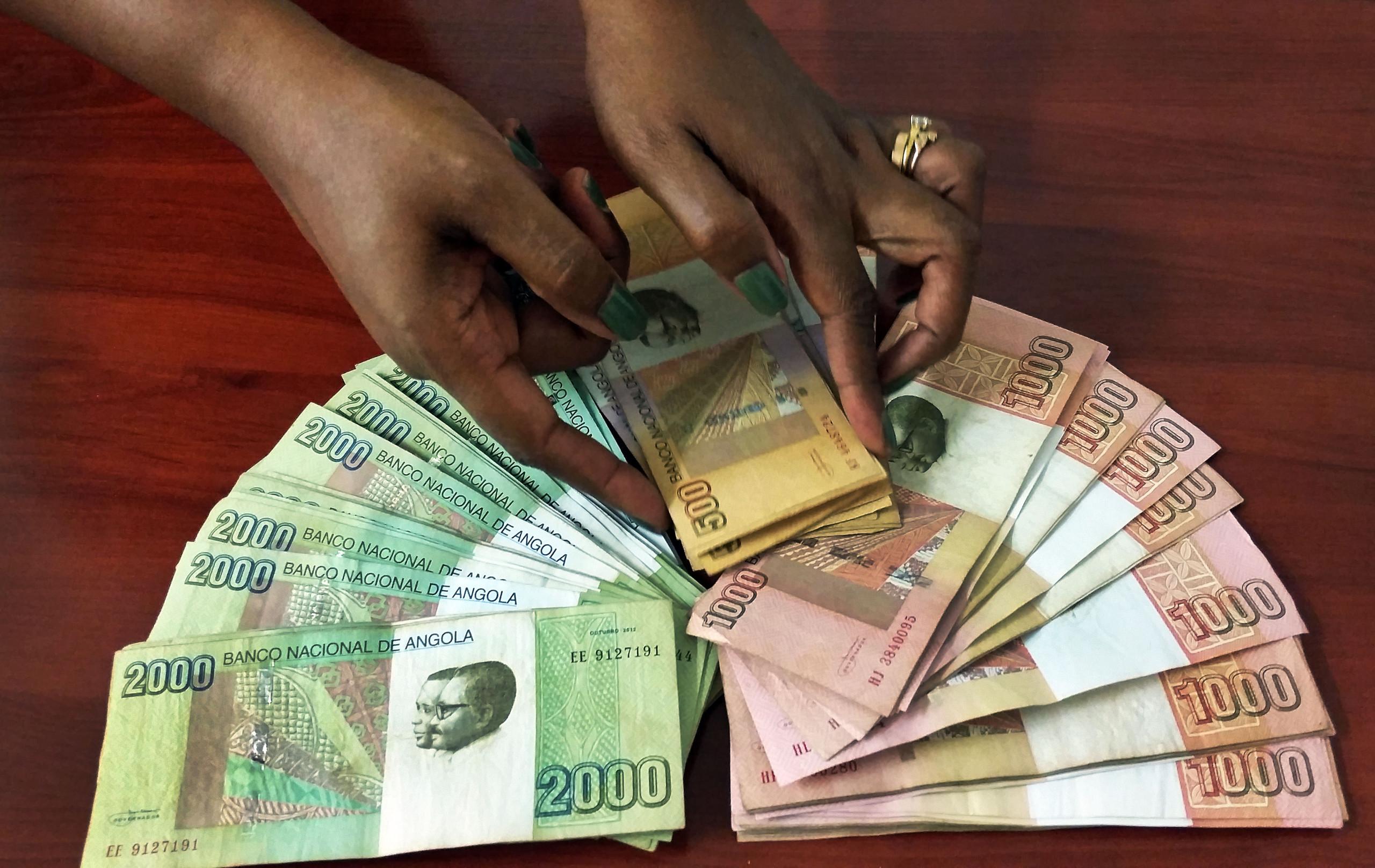 Angola coloca 15,5 milhões de euros no mercado