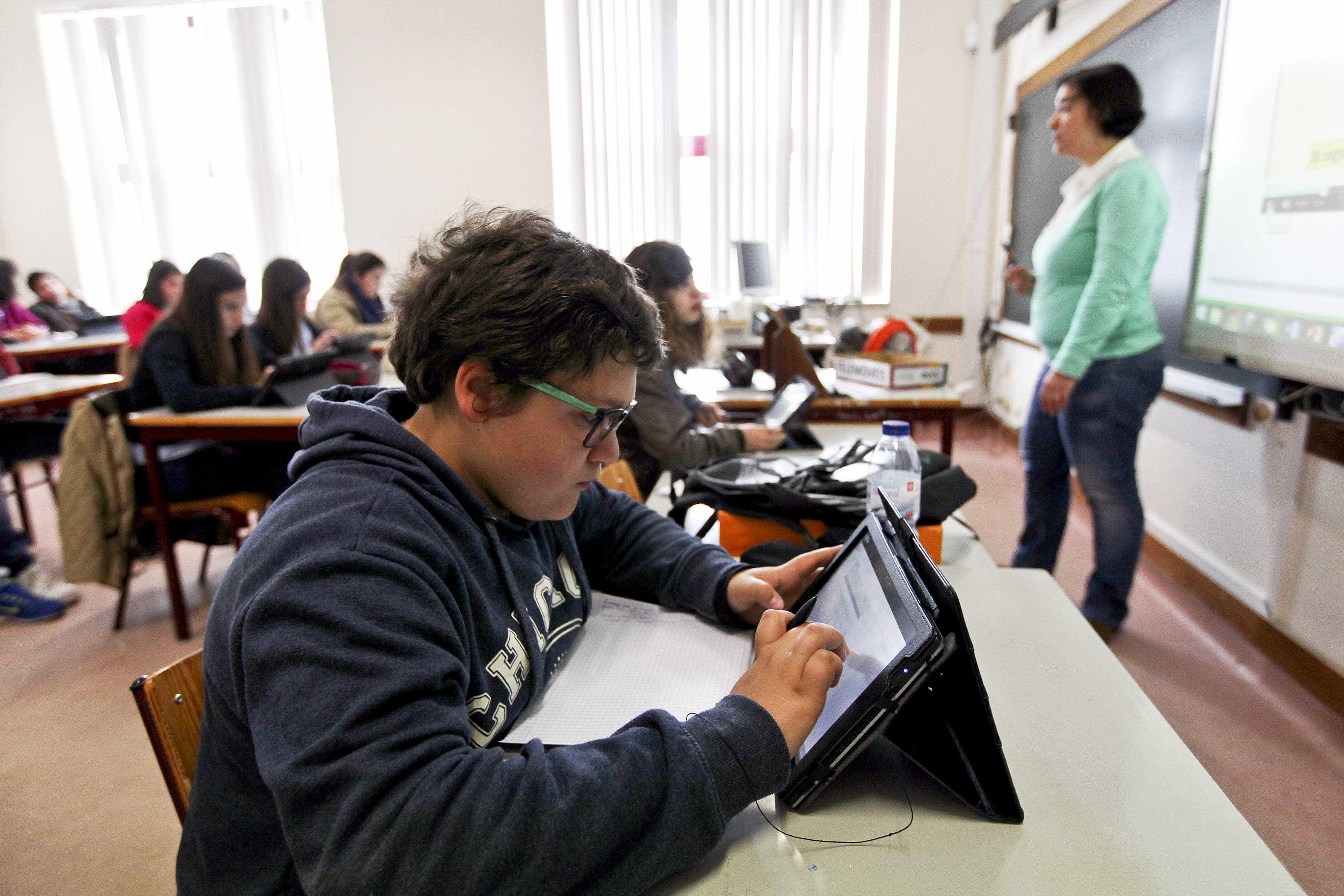 Novo perfil do aluno não se adequa a lógica assente em disciplinas