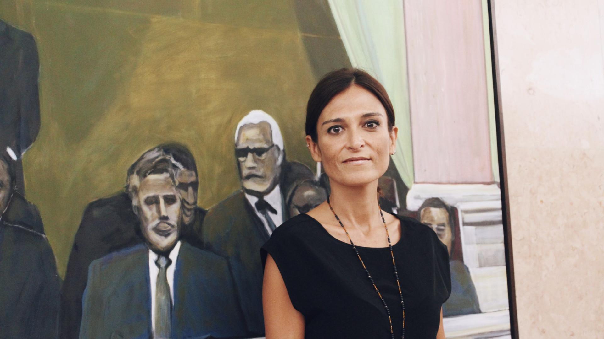 9142f7890 Isabel Moreira reagiu através das redes sociais às notícias de que o juiz  Neto de Moura quer processar figuras públicas que tenham, no seu entender,  ...