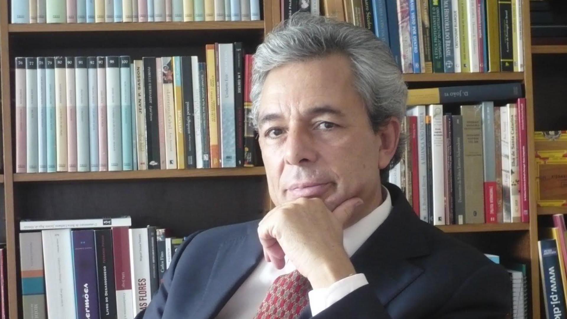 """""""Brasileiros cultivam ideia de repúdio como se nada esperassem de nós"""""""