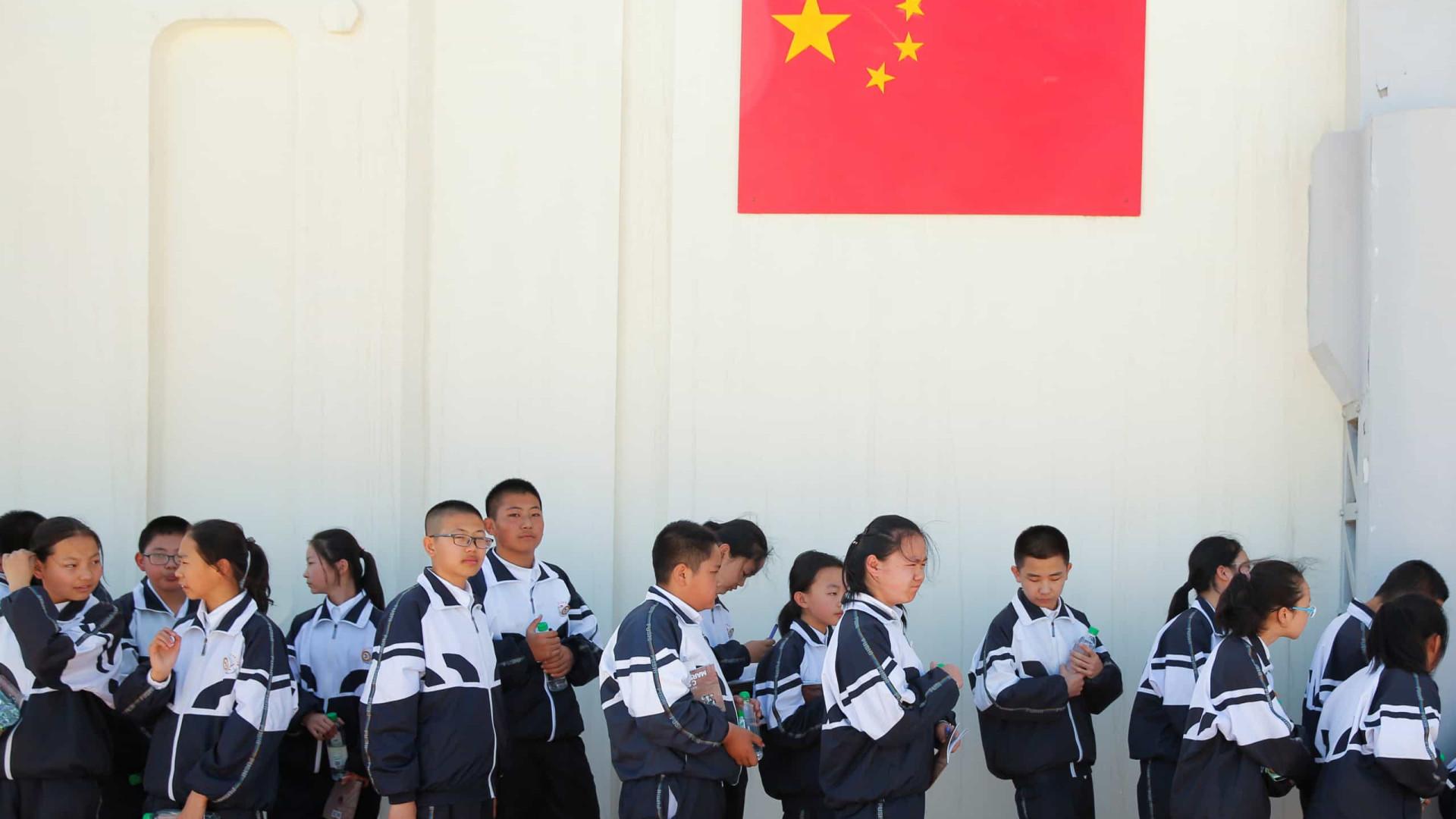 23aeeb4af A China apelou hoje aos estudantes para que