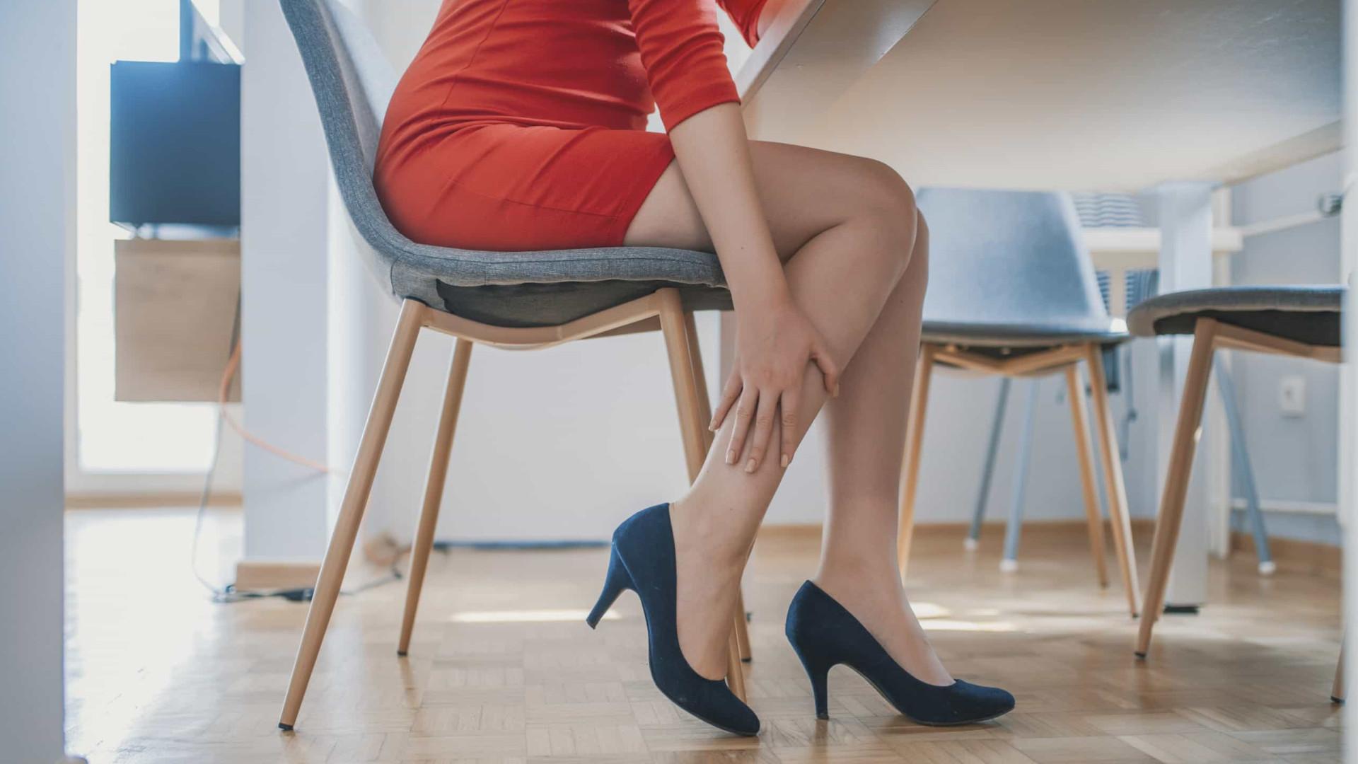 Demência nas a causa pernas dor