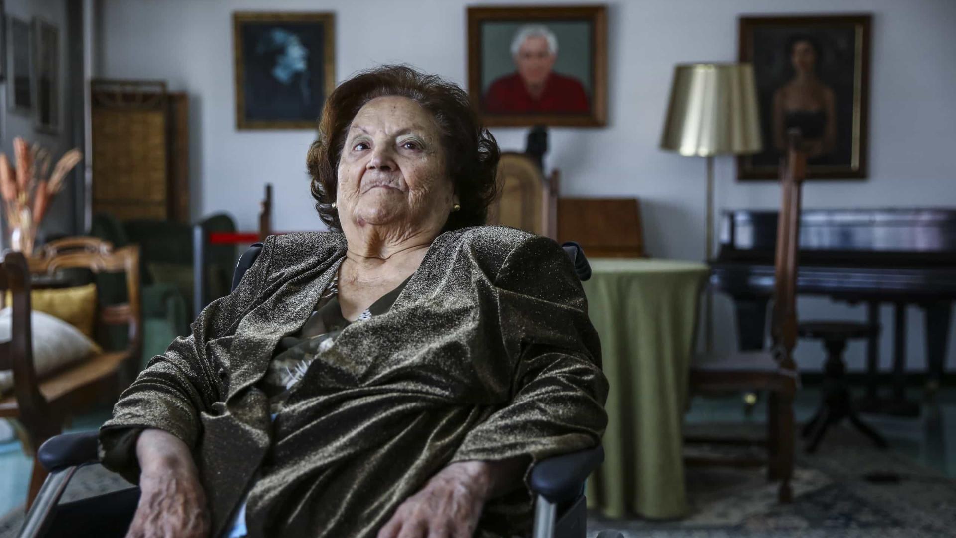 Morreu a fadista Argentina Santos. Tinha 95 anos