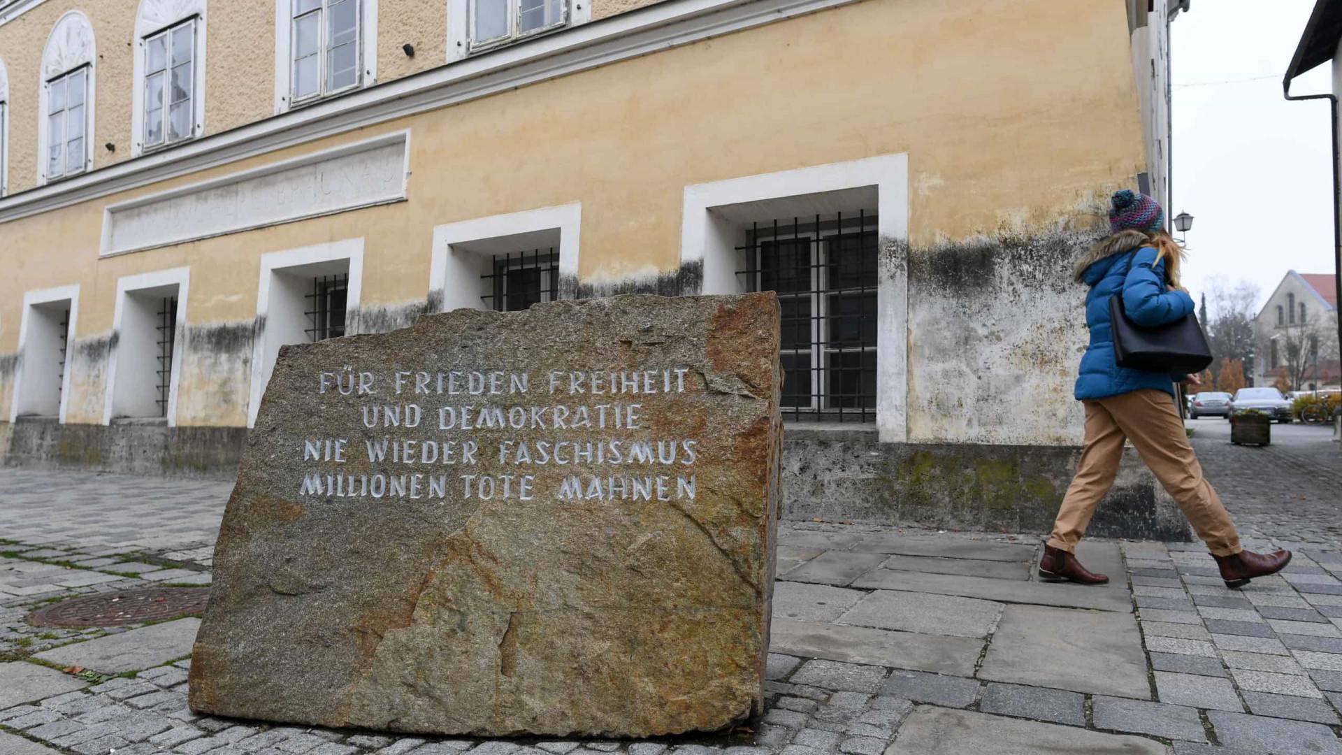 """Casa onde Hitler nasceu será esquadra de polícia. """"Mensagem inequívoca"""""""