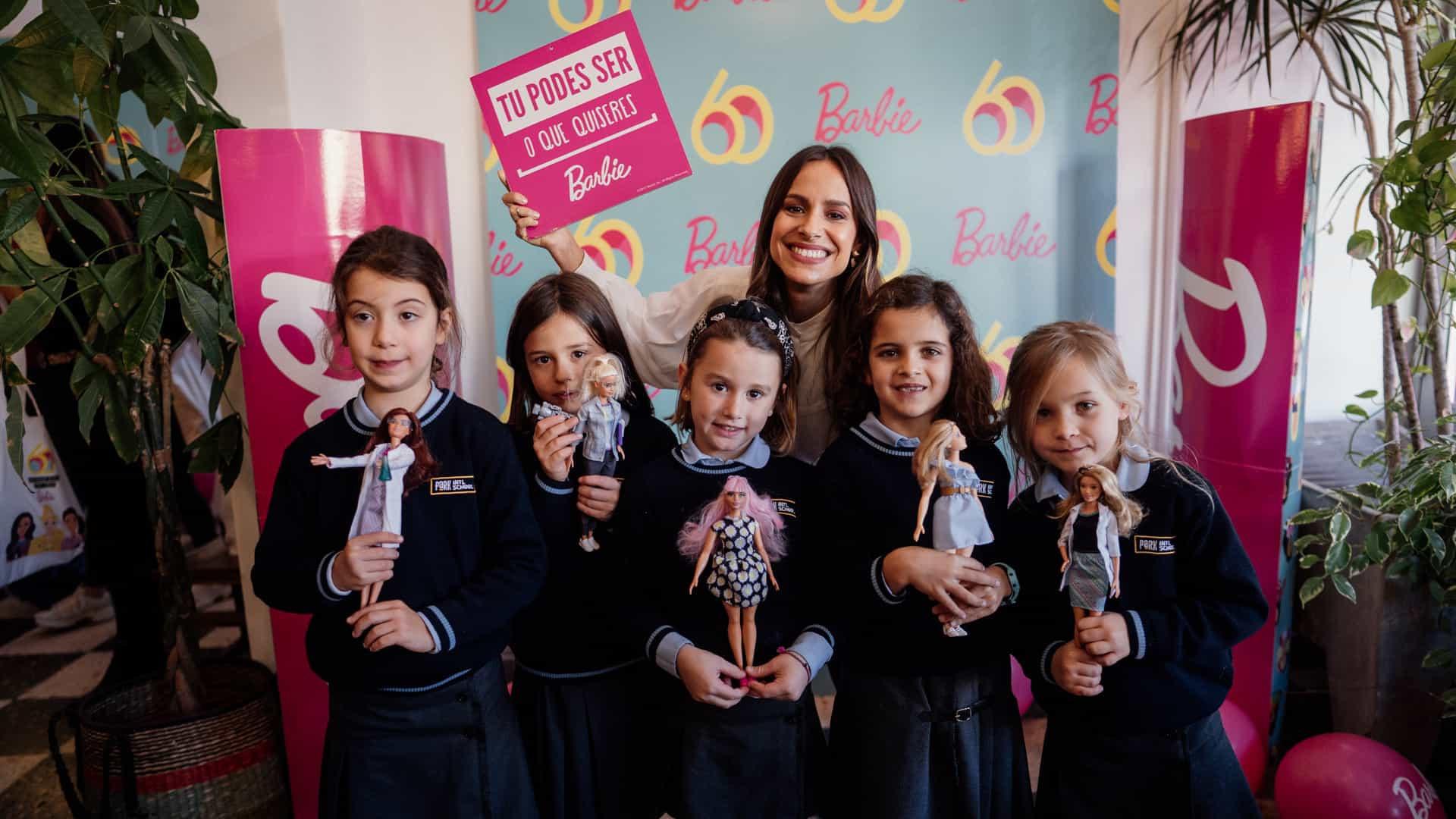 Barbie desafia escolas a valorizar o papel da mulher na história nacional